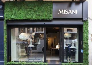 Misani_vetrina-salone-del-mobile-e1491575370358dewdf3.jpg